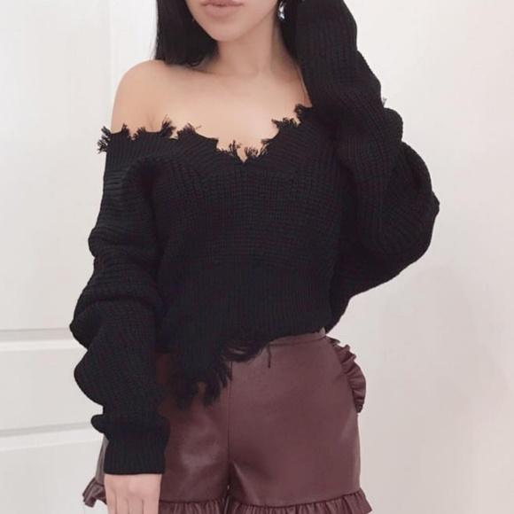 Sweaters - LAST 3! black distressed sweater